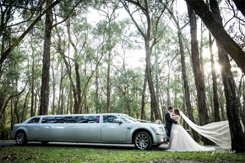 500 x 333 Wedding limo hire Melbourne